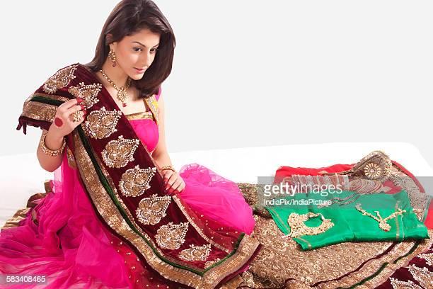 beautiful woman with a saree - mangala sutra fotografías e imágenes de stock