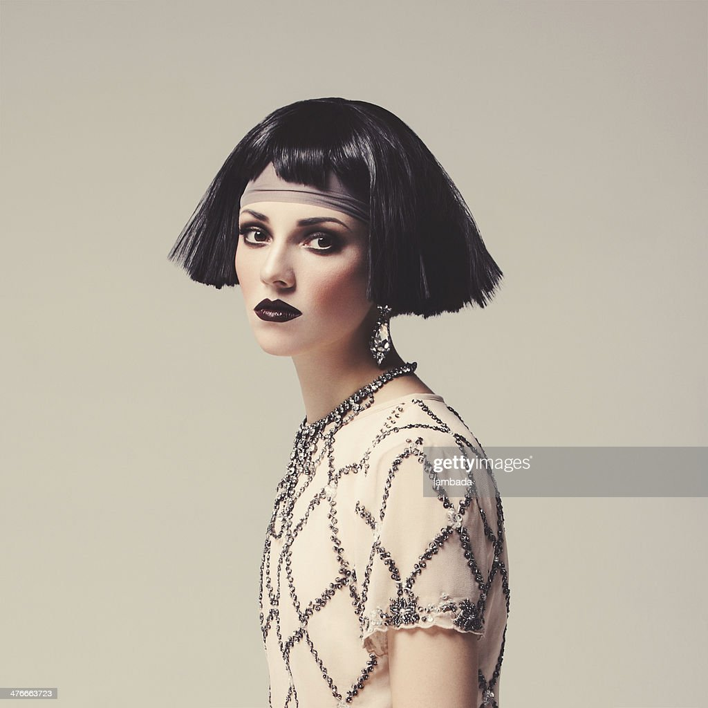 Mulher bonita com cabelo bob : Foto de stock