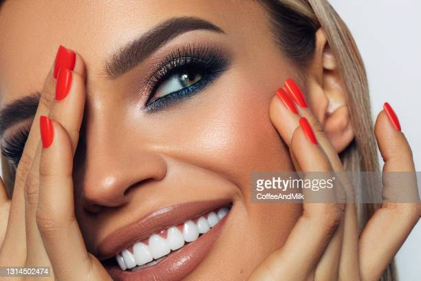 beautiful woman with bright make-up - eye liner stock pictures, royalty-free photos & images