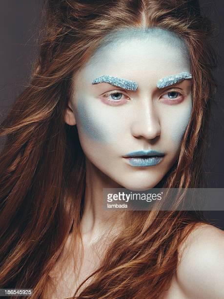 Belle femme avec Maquillage créatif