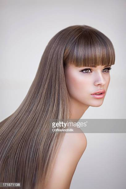 beautiful woman with perfect hairs - lang haar stockfoto's en -beelden
