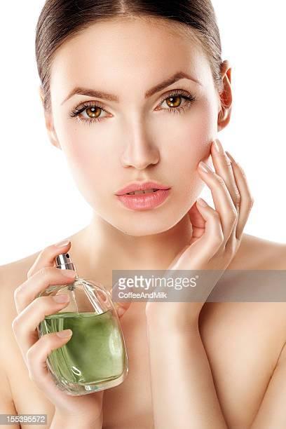 美しい女性、香水