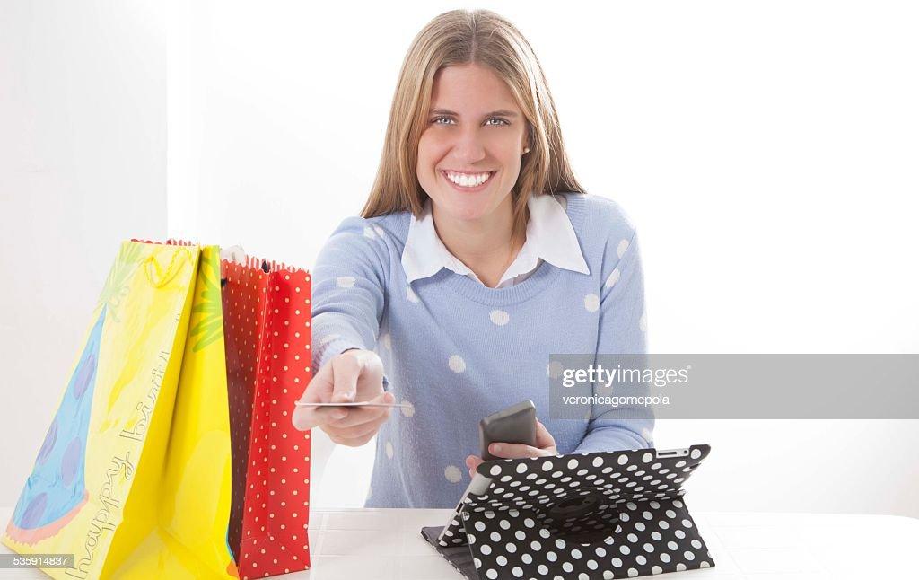 Bela Loira Jovem mulher Fazer Compras : Foto de stock