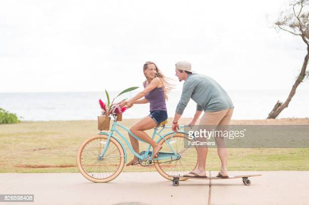 a beautiful young couple in hawaii - category:census-designated_places_in_honolulu_county,_hawaii stock pictures, royalty-free photos & images