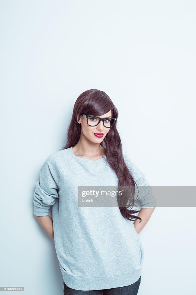 Belle jeune femme long cheveux