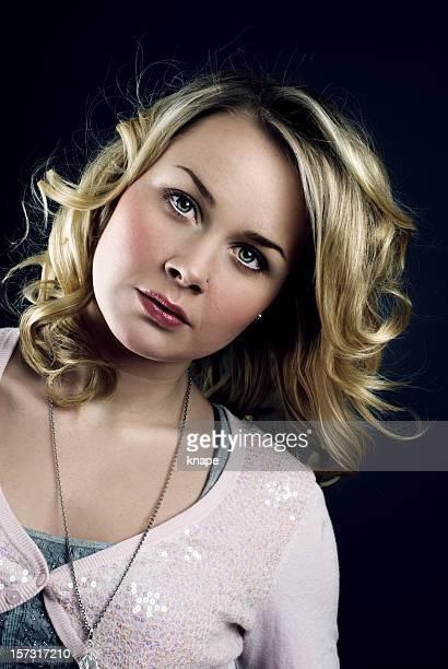 Hermosa mujer joven