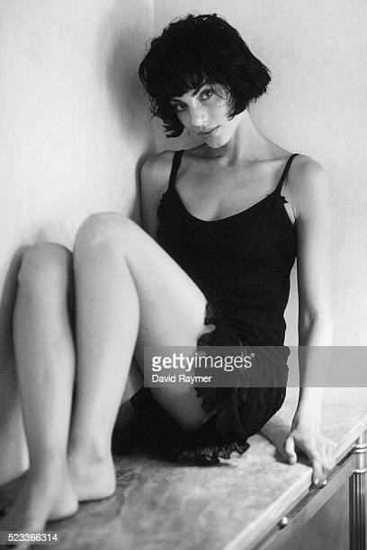 beautiful young woman - minikleid stock-fotos und bilder