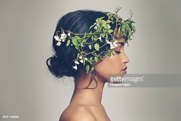 beauty and nature combined - headdress stock pictures, royalty-free photos & images