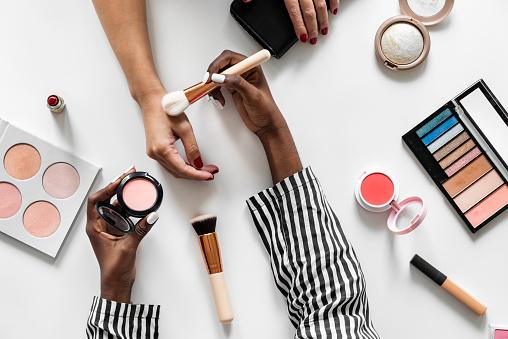 Beauty blogger testing cosmetics 1030222788
