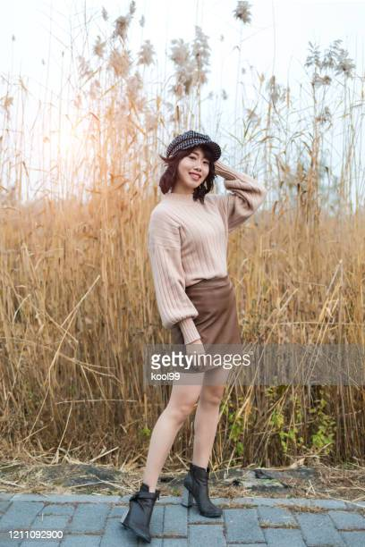 beauty girl in natural - ankle length stock pictures, royalty-free photos & images