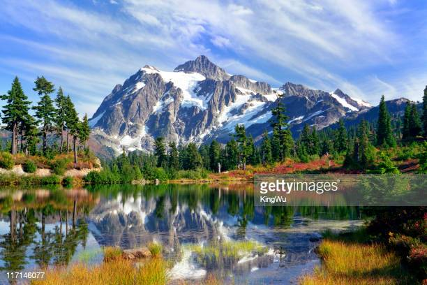 beauty in nature - cascade range stock pictures, royalty-free photos & images