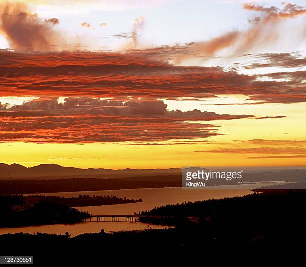 beauty in nature - bellevue skyline stock pictures, royalty-free photos & images