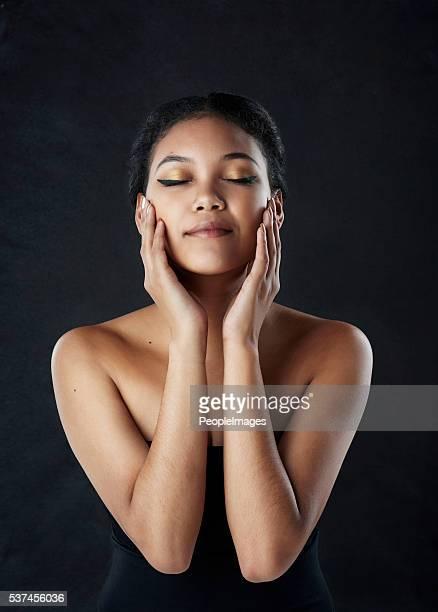 Schönheit sich über Schwierigkeiten in Ihrem eigenen Haut