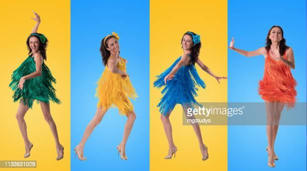 beauté femme mature dansant samba - danse latine photos et images de collection