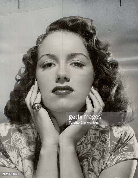 Beauty of the blitz Pat Kirkwood who became one of the leading entertainers and favorites of the English stage during war years is now in hollywood...