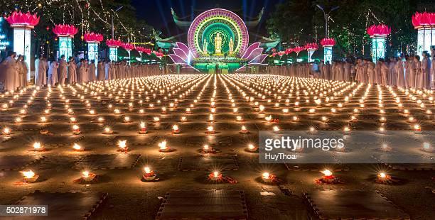 bellezza delle candele nella notte - depilazione intima foto e immagini stock