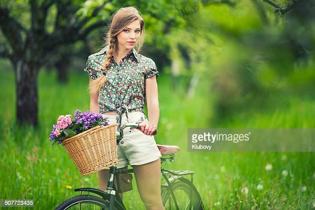 Schönheit auf Fahrrad