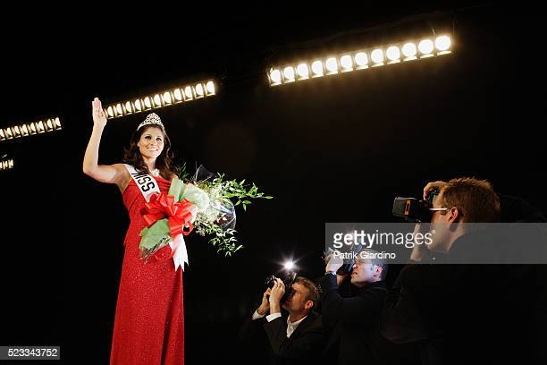 beauty pageant winner - beauty contest stock pictures, royalty-free photos & images