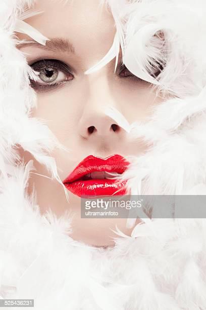 Bellezza foto di giovane bella donna con rossetto rosso glamour