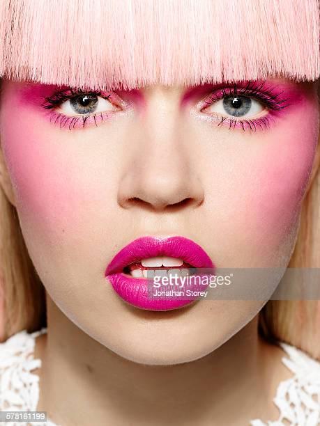 beauty - franja estilo de cabelo - fotografias e filmes do acervo