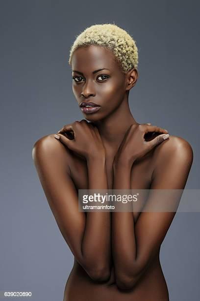 beauty portrait  fashion  beautiful african ethnicity  young women - naaktmodel stockfoto's en -beelden