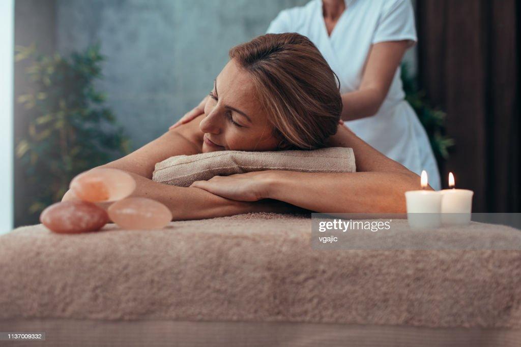 SchoonheidsBehandelingen en massages : Stockfoto