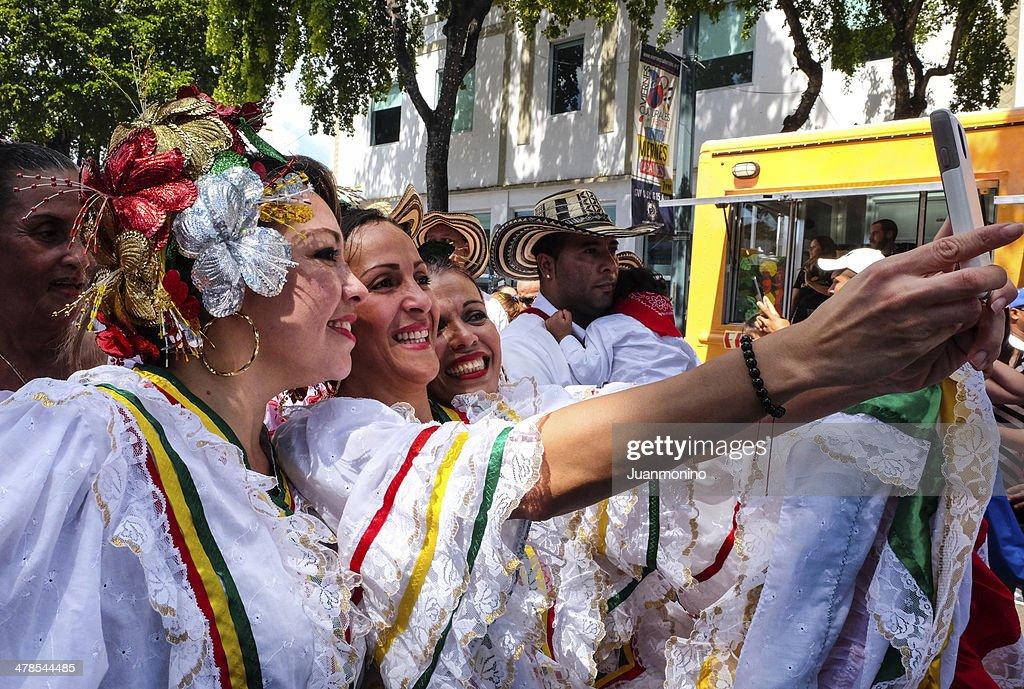 Schönheit Frauen an der Calle Ocho Festival : Stock-Foto