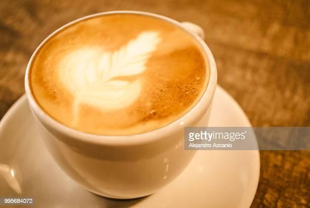 beauty-foamy-tasty coffee wheat spike - alejandro ascanio fotografías e imágenes de stock