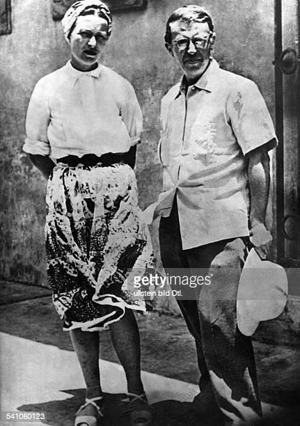 Beauvoir Simone de *Schriftstellerin Feministin Philosophin Frankreich mit JeanPaul Sartre 1959