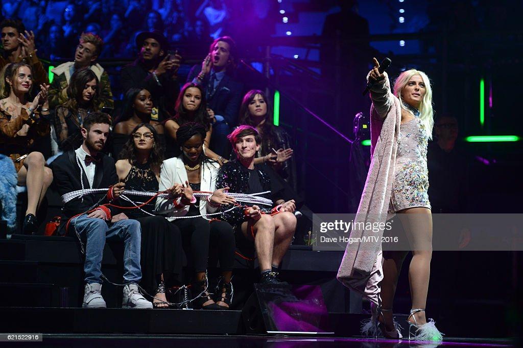 MTV EMA's 2016 - Glamour Pit : News Photo