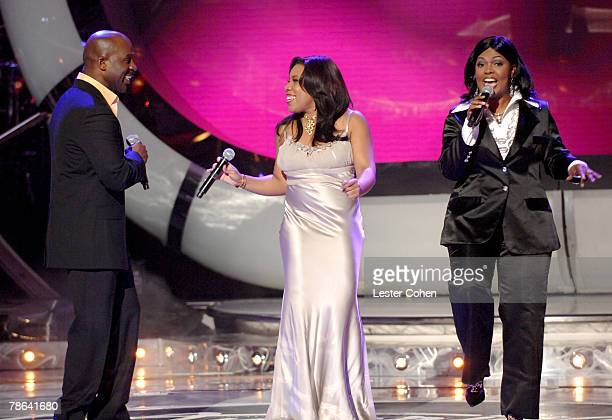"""BeBe Winans, Top 3 Finalist Melinda Doolittle from Brentwood, TN and CeCe Winans performing """"Hold Up the Light"""""""