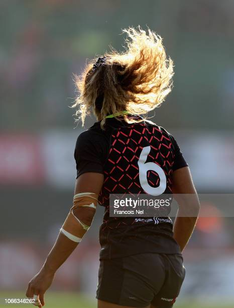 Beborah Fleming of England in action on day one of the Emirates Dubai Rugby Sevens HSBC World Rugby Sevens Series at The Sevens Stadium on November...