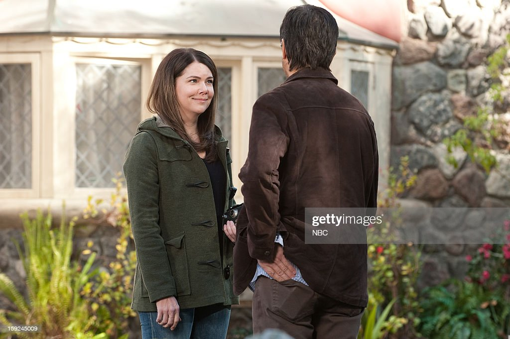 PARENTHOOD -- 'Because You're My Sister' Episode 415 -- Pictured: (l-r) Lauren Graham as Sarah Braverman, Ray Romano as Hank Rizzoli --