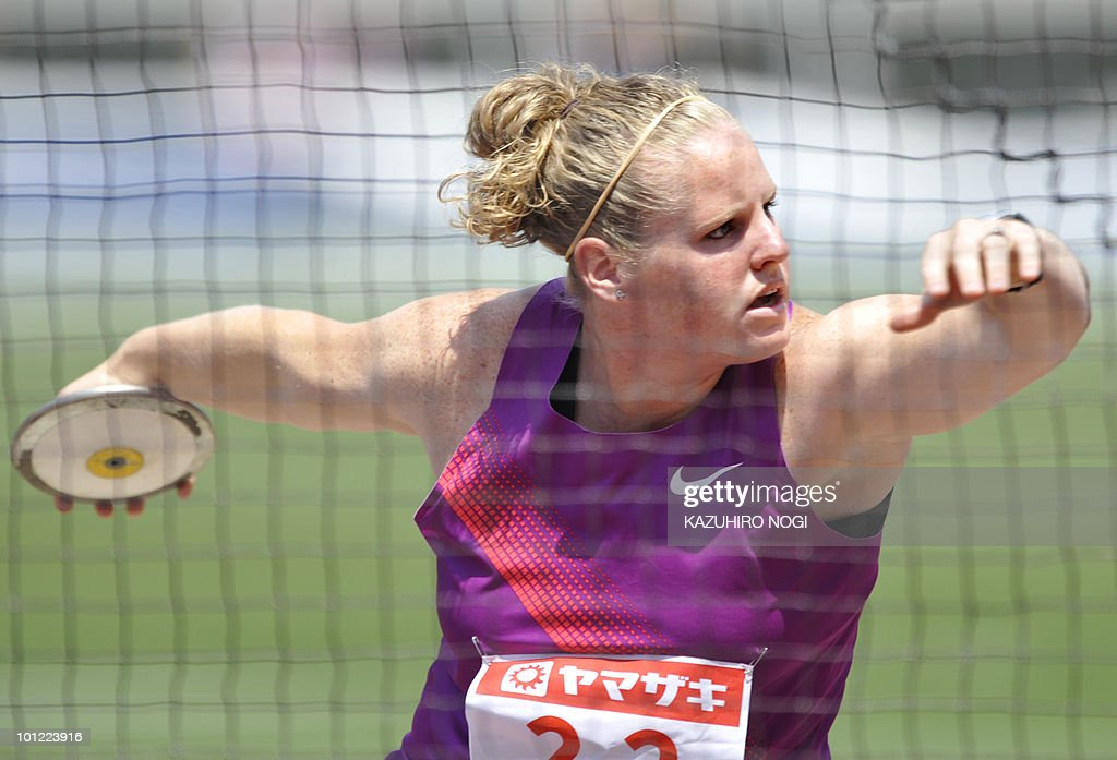 Becky Breisch of the US throws a discus during the women's discus throw final at the IAAF world challenge meeting at Nagai Stadium in Osaka on May 8, 2010. Breisch finished second place with a 62m40 and Australian Dani Samuels won the event with a 63m75. AFP PHOTO / Kazuhiro NOGI