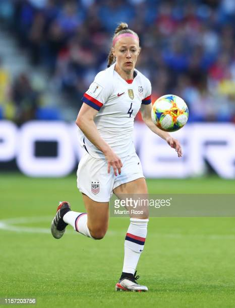 Becky Sauerbrunn of the USA chases down the ball during the 2019 FIFA Women's World Cup France group F match between Sweden and USA at Stade Oceane...