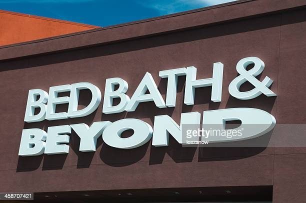 bed bath and beyond store sign - bed bath & beyond stock pictures, royalty-free photos & images