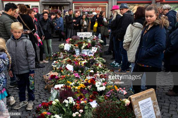 Bed of flowers at the memorial procession for the deceased musician Kim Larsen on October 5, 2018 in Copenhagen, Denmark. Kim Larsen died of prostate...