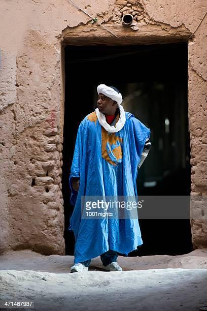 bédouin - homme marocain photos et images de collection
