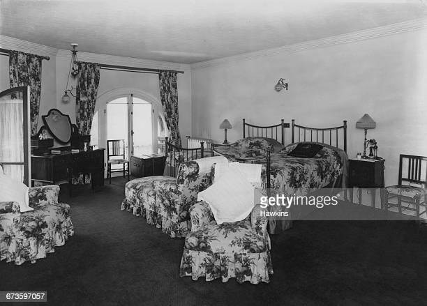 Bedroom in a private suite at the Hyde Park Hotel in Knightsbridge, London, 22nd April 1925.