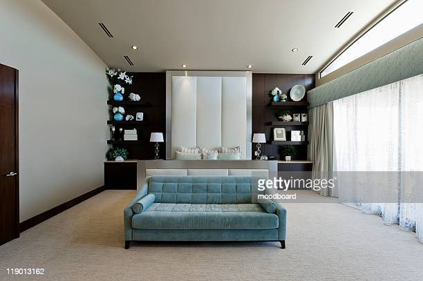 bedroom interior - simetria - fotografias e filmes do acervo