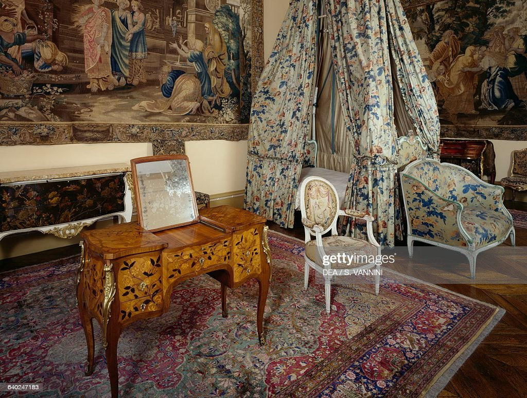 Bedroom with 18th century French furniture, Bowes museum ...