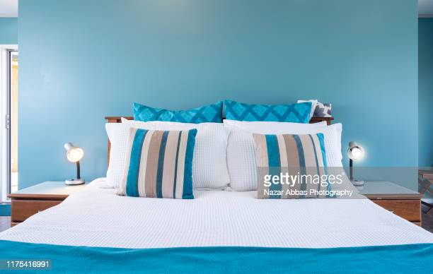bedroom with queen bed and sheets. - nazar abbas photography stock pictures, royalty-free photos & images