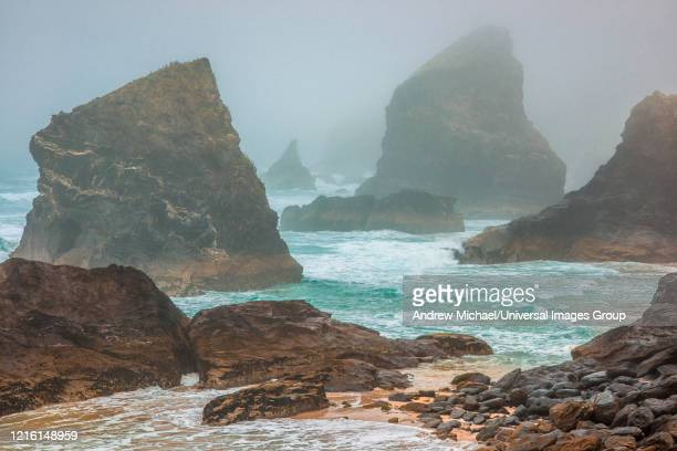 bedruthan steps, near newquay, cornwall, england, great britain, uk. - newquay stock pictures, royalty-free photos & images