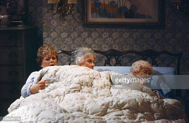 GIRLS Bedtime Story Episode 17 Pictured Rue McClanahan as Blanche Devereaux Bea Arthur as Dorothy Petrillo Zbornak Estelle Getty as Sophia Petrillo