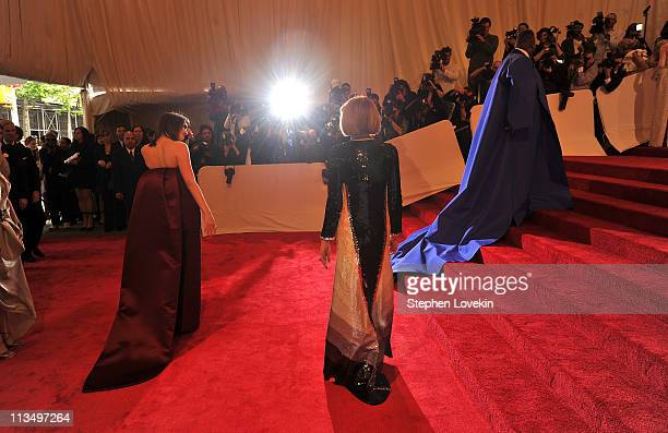 Bee Shaffer editorinchief of Vogue Anna Wintour and Andre Leon Talley attend the 'Alexander McQueen Savage Beauty' Costume Institute Gala at The...