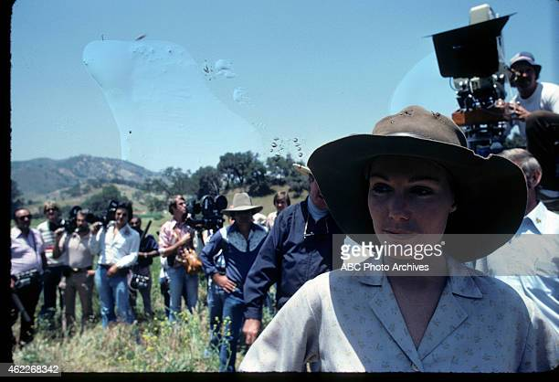WON Bee Story Airdate September 29 1975 PRODUCTION SHOT OF KATHRYN HOLCOMB WITH
