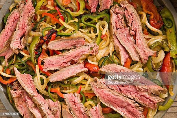 fajitas de carne de vaca - carne assada imagens e fotografias de stock