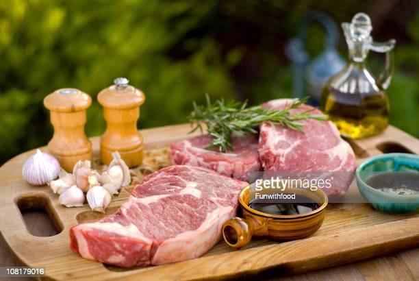 Faux filet de bœuf, des fruits de mer et des Steaks de viande Marinade & cuisson de barbecue