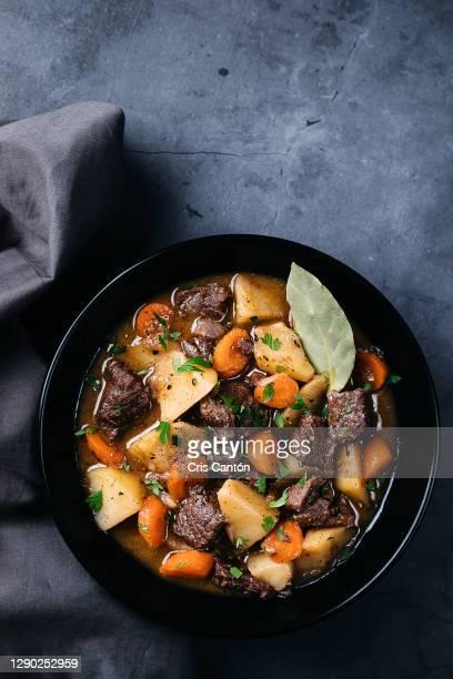 beef stew - cris cantón photography fotografías e imágenes de stock