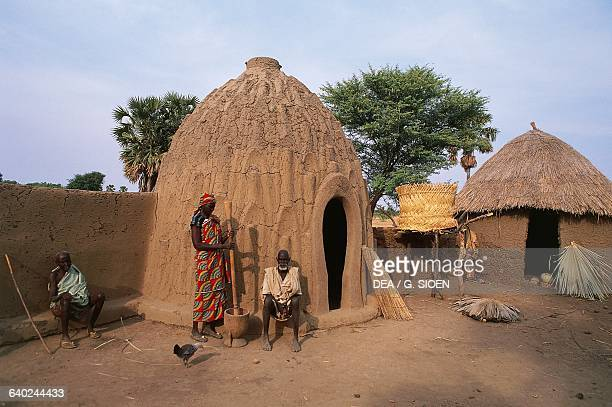 Beehiveshaped house obos house Mousgoum dynasty Cameroon